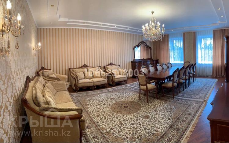 4-комнатная квартира, 200 м², 3/3 этаж, Жалаири 3 за 97 млн 〒 в Нур-Султане (Астана), Алматы р-н