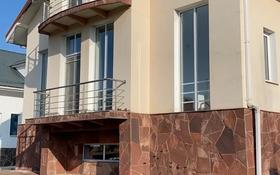 7-комнатный дом помесячно, 342 м², 10 сот., мкр Коктобе за 600 000 〒 в Алматы, Медеуский р-н