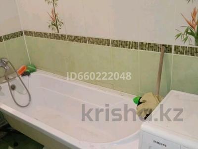 3-комнатная квартира, 60 м², 2/5 этаж помесячно, Чокина 95 за 90 000 〒 в Павлодаре — фото 5