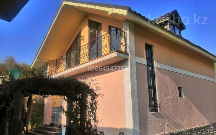 6-комнатный дом, 160 м², 5 сот., улица Колсай 2 27 б за 35 млн 〒 в