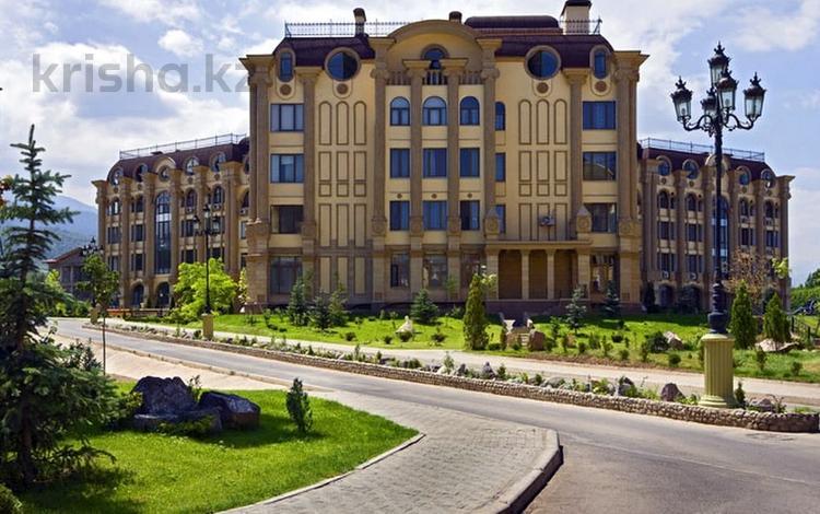 2-комнатная квартира, 114 м², 5/8 этаж, Омаровой Жамал — Достык (Ленина) за 45 млн 〒 в Алматы, Медеуский р-н