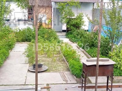 4-комнатный дом, 65 м², 8 сот., Полевая 10 за 15 млн 〒 в Боралдае (Бурундай) — фото 3
