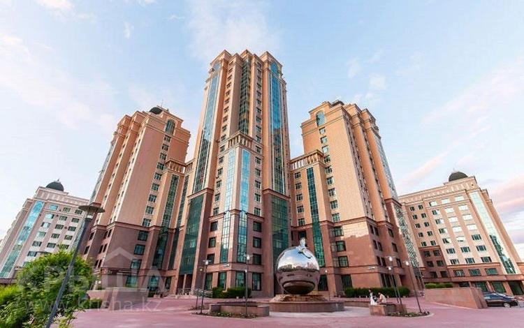 3-комнатная квартира, 90 м², 9/10 этаж, Мангилик Ел 26А за 40 млн 〒 в Нур-Султане (Астана), Есиль р-н