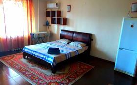 1-комнатная квартира, 50 м², 5/9 этаж посуточно, Абулхаир хана 76 — Сазда за 6 000 〒 в Актобе