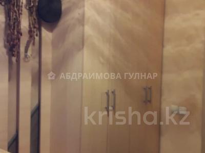2-комнатная квартира, 65 м², 12/16 этаж, Жуалы за 19 млн 〒 в Алматы, Наурызбайский р-н