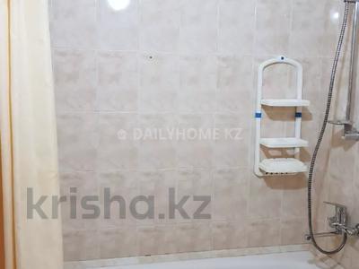 1-комнатная квартира, 43 м², 3/8 этаж посуточно, мкр Самал-2 за 9 000 〒 в Алматы, Медеуский р-н — фото 8