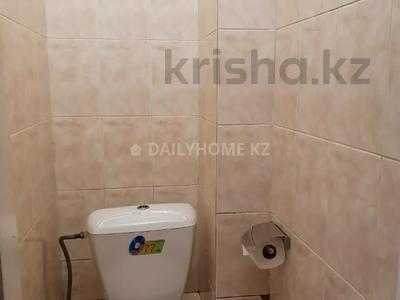 1-комнатная квартира, 43 м², 3/8 этаж посуточно, мкр Самал-2 за 9 000 〒 в Алматы, Медеуский р-н — фото 9