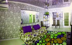 2-комнатная квартира, 60 м² посуточно, Абая 162 — Толстого за 10 000 〒 в Костанае