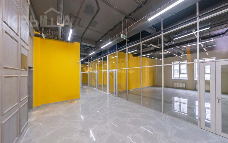 Офис площадью 2000 м², Туркестан — Орынбор за 12 млн 〒 в Нур-Султане (Астана), Есиль р-н