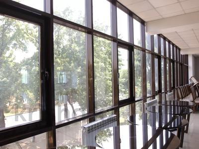 Здание, площадью 1200 м², Райымбека 265/1 — Крылова за 770 млн 〒 в Алматы, Жетысуский р-н — фото 8