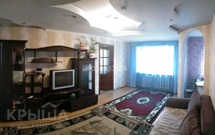 2-комнатная квартира, 44 м², 1/5 этаж, Байтурсынова 78 — Ауэзова за 9.5 млн 〒 в Семее