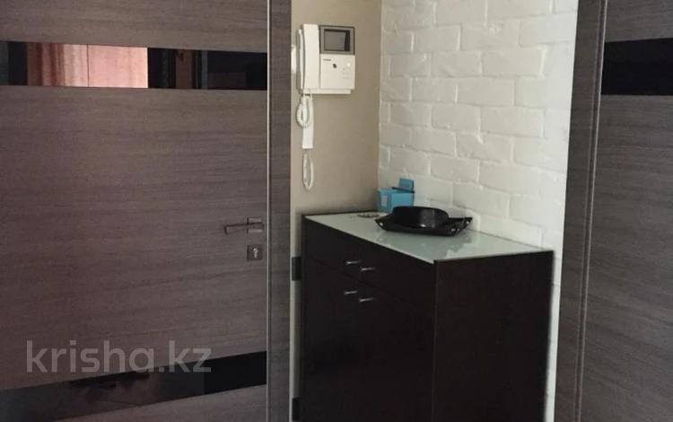 2-комнатная квартира, 55 м², 6/12 этаж помесячно, Достык 138 за 270 000 〒 в Алматы, Медеуский р-н