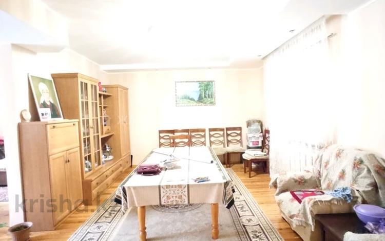 6-комнатный дом, 179 м², 8 сот., мкр Таусамалы, улица Мереке — Вишнёвая за 45 млн 〒 в Алматы, Наурызбайский р-н