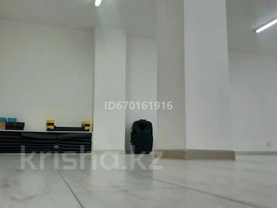 Помещение площадью 77 м², Момышулы 2/7 — Тауелсиздик за 5 000 〒 в Нур-Султане (Астане), Алматы р-н