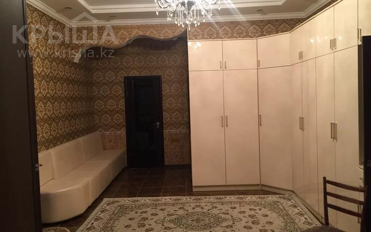 6-комнатный дом, 360 м², 10 сот., Сарыкамыс-2 за 55 млн 〒 в Атырау