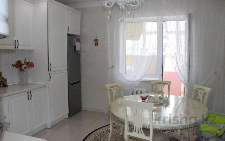 4-комнатная квартира, 110.3 м², 4/9 этаж, Б. Момышулы за ~ 35 млн 〒 в Нур-Султане (Астана), Есиль р-н