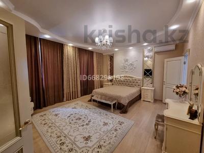 5-комнатный дом, 315 м², 12 сот., Художников за 160 млн 〒 в Рудном