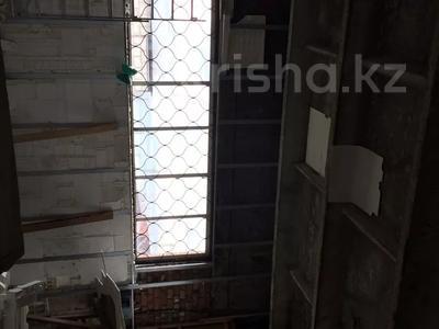 Здание, площадью 200 м², Коморова 7Б — Джамбула за 6 млн 〒 в Костанае — фото 4