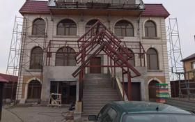 4-комнатный дом, 1000 м², 1 сот., ул Айша Биби за ~ 110 млн 〒 в Караоткеле