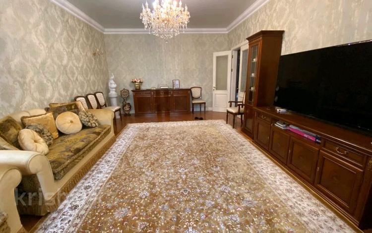 3-комнатная квартира, 135 м², 2/4 этаж помесячно, Табыс 12 за 350 000 〒 в Нур-Султане (Астана), Есиль р-н