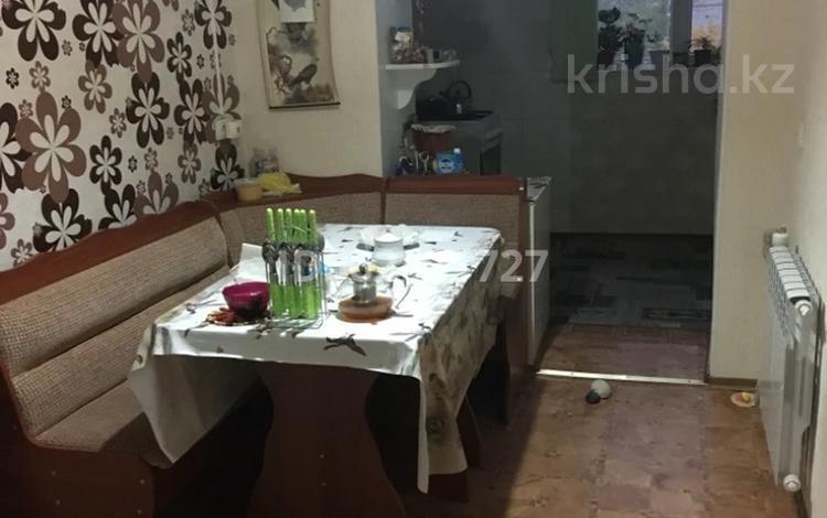 3-комнатная квартира, 73 м², 5/5 этаж, Жунисалиева 1 за 18 млн 〒 в Таразе