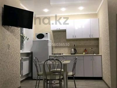 1-комнатная квартира, 35 м², 2/5 этаж посуточно, Байтурсынова 6 — Туркестанская за 8 000 〒 в Шымкенте, Аль-Фарабийский р-н