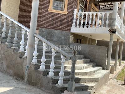 6-комнатный дом на длительный срок, 205 м², 8 сот., мкр Нуртас, Саяхат 44 — Байтерекова за 400 000 〒 в Шымкенте, Каратауский р-н