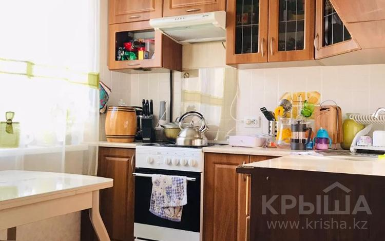 2-комнатная квартира, 43 м², 3/4 этаж, мкр №6, проспект Абая — Саина за 19.5 млн 〒 в Алматы, Ауэзовский р-н