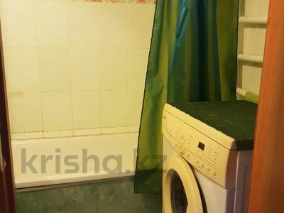 1-комнатная квартира, 35 м², 6/9 этаж посуточно, Камзина 80 — Толстого за 5 000 〒 в Павлодаре