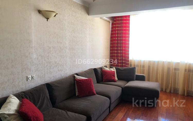 3-комнатная квартира, 131.8 м², 10/15 этаж помесячно, мкр Керемет 6 за 400 000 〒 в Алматы, Бостандыкский р-н