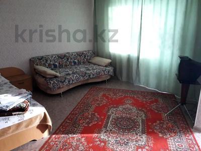 1-комнатная квартира, 35 м², 4/5 этаж посуточно, Жангильдина 25 — проспект Республики за 5 000 〒 в Нур-Султане (Астана), Алматы р-н — фото 2