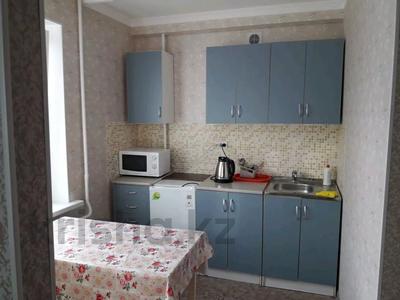 1-комнатная квартира, 35 м², 4/5 этаж посуточно, Жангильдина 25 — проспект Республики за 5 000 〒 в Нур-Султане (Астана), Алматы р-н — фото 3