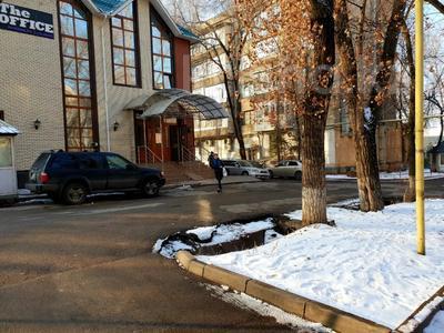 2-комнатная квартира, 50 м², 2/4 этаж посуточно, Достык (Ленина) — Сатпаева за 10 000 〒 в Алматы — фото 13