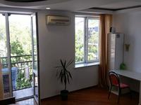 1 комната, 205 м²