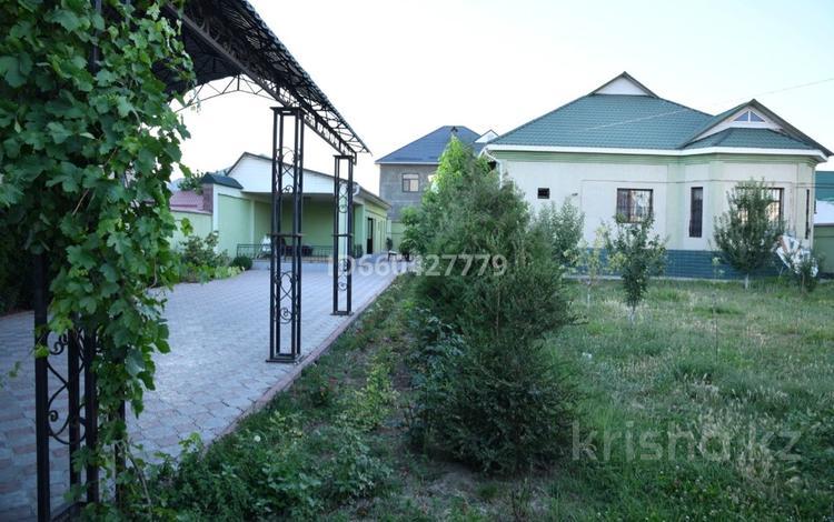 6-комнатный дом, 180 м², 10 сот., Алибекова 11 за 43 млн 〒 в Шымкенте, Каратауский р-н