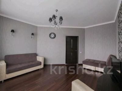 2-комнатная квартира, 85 м², 19/41 этаж посуточно, Достык 5 — Сауран за 10 000 〒 в Нур-Султане (Астана), Есиль р-н — фото 4