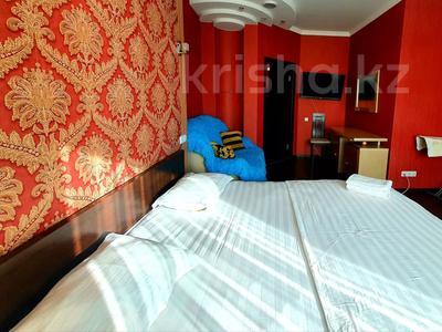 2-комнатная квартира, 85 м², 19/41 этаж посуточно, Достык 5 — Сауран за 10 000 〒 в Нур-Султане (Астана), Есиль р-н — фото 5