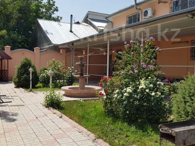 9-комнатный дом, 430 м², 10 сот., Проезд Комратова 14 — Ташкенская за 65 млн 〒 в Таразе