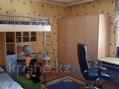 9-комнатный дом, 430 м², 10 сот., Проезд Комратова 14 — Ташкенская за 65 млн 〒 в Таразе — фото 13