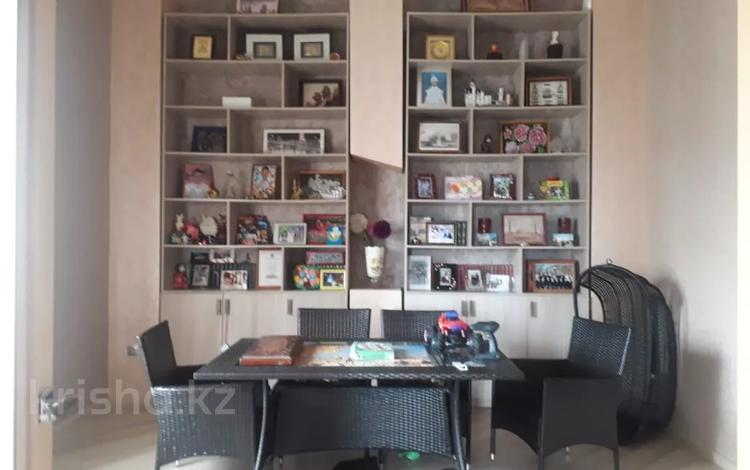7-комнатный дом помесячно, 510 м², 10 сот., Баян сулу 7 за 1.3 млн 〒 в Нур-Султане (Астана), Есиль р-н