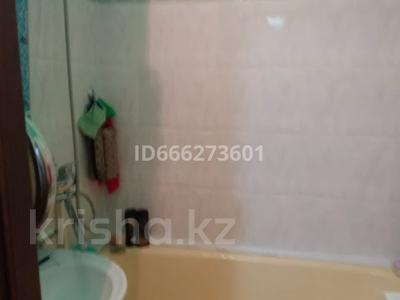 3-комнатная квартира, 65 м², 1/5 этаж, Мкр Алатау 32 за 15 млн 〒 в Таразе