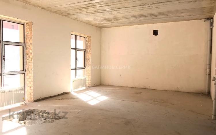Помещение площадью 130 м², Кайым Мухамедханова 21 за 4 000 〒 в Нур-Султане (Астане), Есильский р-н