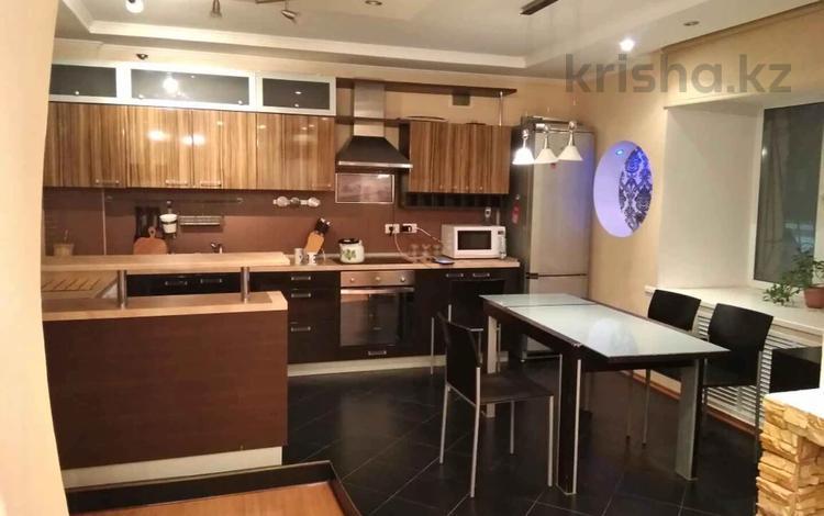3-комнатная квартира, 85.2 м², 1/9 этаж, Сауран 5А за 26.4 млн 〒 в Нур-Султане (Астана), Есиль р-н