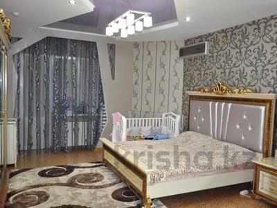 4-комнатная квартира, 220 м², 12/18 этаж, Курмангазы 145 — Муканова за 121 млн 〒 в Алматы, Алмалинский р-н — фото 11