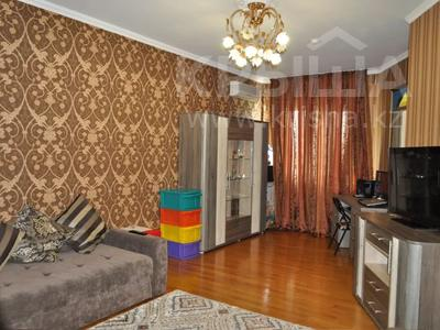 4-комнатная квартира, 220 м², 12/18 этаж, Курмангазы 145 — Муканова за 121 млн 〒 в Алматы, Алмалинский р-н — фото 4