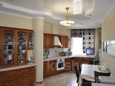 4-комнатная квартира, 220 м², 12/18 этаж, Курмангазы 145 — Муканова за 121 млн 〒 в Алматы, Алмалинский р-н — фото 7