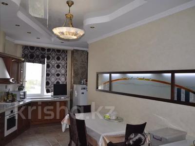 4-комнатная квартира, 220 м², 12/18 этаж, Курмангазы 145 — Муканова за 121 млн 〒 в Алматы, Алмалинский р-н — фото 8