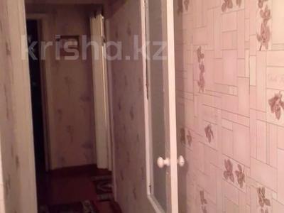 3-комнатная квартира, 62 м², 5/5 этаж, 6 мкр Талас 25 — ул Сейфуллина за 9 млн 〒 в Таразе — фото 3