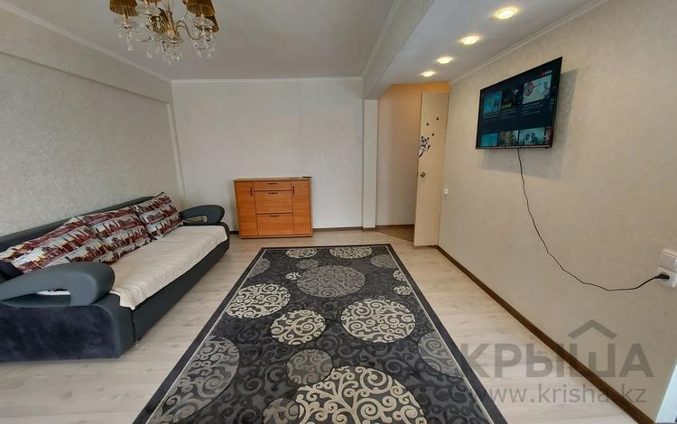 2-комнатная квартира, 46 м², 2/5 этаж посуточно, Бурова 23 — Кабанбай батыра за 10 000 〒 в Усть-Каменогорске