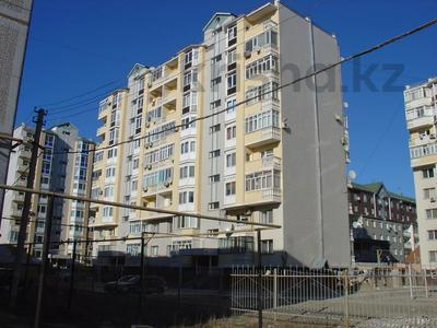 4-комнатная квартира, 120 м², 3/9 этаж помесячно, Момышулы за 150 000 〒 в Атырау